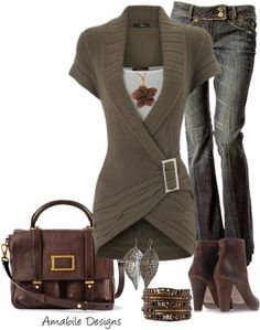 #Love this Brown Buckle Sweater! White Top. Blue Jeans. Brown Purse & Boots.