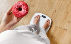 Those donuts could be killing you! Obesity or weight gain can lead to serious health problems. Slimming World Syns, Slimming World Recipes, Weight Loss Blogs, Weight Gain, Syn Calculator, Combattre Le Stress, 14 Day Challenge, Lower Body Fat, Whole 30 Diet