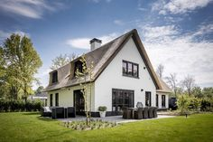 Bertram Beerbaum tries to underscore that the design is only half of the success of the execution. House Front, My House, Belgian Style, Thatched Roof, House Built, Facade House, Types Of Houses, Model Homes, My Dream Home