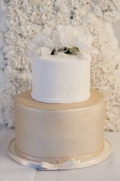 This all white sophistication takes place at beautiful San Francisco hotel, Clift Hotel. Every elegant detail was captured by Vivian Chen Photography. Mod Wedding, Hotel Wedding, Elegant Wedding, Small Wedding Cakes, Cake Wedding, Fab Cakes, Brides Cake, 18th Birthday Party, Wedding Cake Inspiration