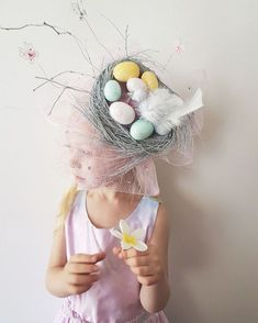 How to make a Pretty Birds Nest Easter Parade Hat, full picture Tutorial | Now that's Peachy Blog | DIY pastel Spring Easter fascinator design for School and street parades you can create at home with basic craft supplies .#crafts #easterhat #easter #eastercrafts #diy #tutorial