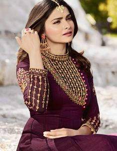 Indian Fashion Wine and Baby Pink Embroidered Long Sleeve Suit worn by Prachi Desai in Georgette and Silk fabric for Wedding. Embroidery Suits Punjabi, Embroidery Suits Design, Embroidery Saree, Netted Blouse Designs, Saree Blouse Designs, Designer Punjabi Suits, Indian Designer Wear, Designer Anarkali, Kurti Designs Party Wear