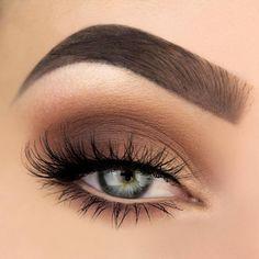 Cute Natural Smokey Eye Makeup Looks for Every Day ★ See more: https://makeupjournal.com/natural-smokey-eye-makeup/