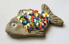 Рыбка: пластилин + пайетки