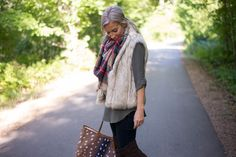 Tunic, furry vest, blanket scarf, skinny jeans
