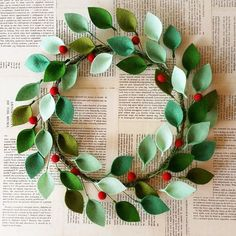 Felt christmas - 18 Modern Christmas Wreath with Felt Leaves and Holly Berries Felt Christmas Wreath Unique Christmas Decor Made to Order – Felt christmas Unique Christmas Decorations, Modern Holiday Decor, Modern Christmas, Minimalist Christmas, Noel Christmas, Christmas Wreaths, Christmas Ornaments, Diy Xmas, Felt Wreath