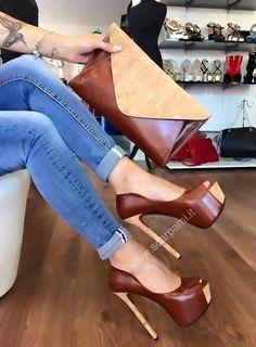 Pretty Shoes, Beautiful Shoes, Cute Shoes, Me Too Shoes, Hot High Heels, Platform High Heels, Heeled Boots, Shoe Boots, Killer Heels