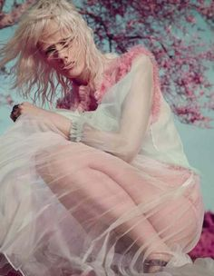 nice Marjan Jonkman models Gucci for Vogue Italia January 2016 by Sølve Sundsbø… Editorial Photography, Fashion Photography, Color Photography, Mode Editorials, Fashion Editorials, Vogue Magazine, Editorial Fashion, Fashion Models, Fashion 2016