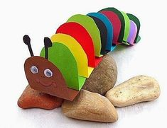Okulöncesi Sanat ve Fen Etkinlikleri Chenille, Craft Activities For Kids, Preschool Crafts, Caterpillar Book, Hungry Caterpillar, Diy Papier, Papier Kind, Insect Crafts, Bug Crafts