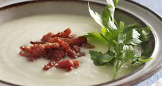 DANISH: Blomkålssuppe med bacon (Cauliflower Soup with Bacon) Cauliflower Bacon Soup, Scandinavian Food, Danish Food, Yummy Food, Tasty, Paleo Life, Soups And Stews, Soup Recipes, Yummy Recipes