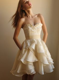 long or short wedding dress Short Dresses, Prom Dresses, Formal Dresses, Pretty Dresses, Beautiful Dresses, Gorgeous Dress, Wedding Dress Sample Sale, Dress Collection, Dress To Impress
