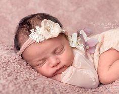 Newborn Photo Prop Newborn Tieback Cream von PreciousMomentsProps
