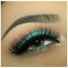 Gorgeous turquoise eyeshadow w/ hints of soft gold