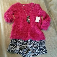 Sale!Free People Hot Pink Sweater Hot pink, cozy sweater. It's a loose fit, but not oversized. Perfect conditon, smoke free home!   I can't be the only one who loves pairing heavy tops with shorts on those chilly summer days?! This is the perfect top :) Free People Sweaters Crew & Scoop Necks