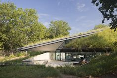 Edgeland House by Bercy Chen Studio © Paul Bardagjy
