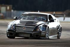 cadillac   La Cadillac CTS-V Coupé Race roule