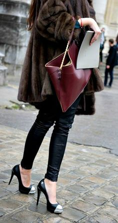 LoLoBu - Women look, Fashion and Style Ideas and Inspiration, Dress and Skirt Look Passion For Fashion, Love Fashion, Womens Fashion, Fashion Drug, Fashion Rocks, Fashion News, Paris Street Fashion, Street Style Chic, Vogue