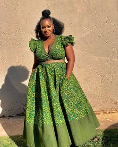 The best thing about Africa styles is that they are available for ladies of all ages. LATEST SESHOESHOE DRESSES to make you look elegant. African Fashion Designers, African Fashion Ankara, Latest African Fashion Dresses, African Dresses For Women, African Print Dresses, African Print Fashion, African Attire, African Prints, African Wear