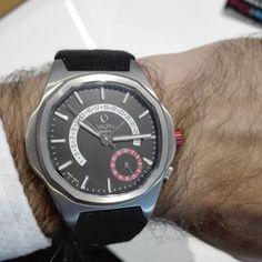 Wearing a watch by Valpin Watch #attireclub #valpin #geneve #geneva #style #uhr #uhren #montres #swisswatch #swiss #schweiz #suisse #svizzera #switzerland #швейцария #часы #incompany Geneva, Omega Watch, Switzerland, Watches, Accessories, Style, Watch, Tag Watches, Wrist Watches