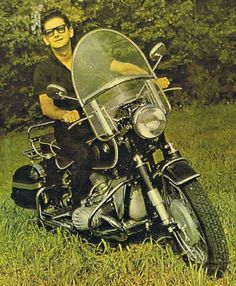 """naturalbornworldshakers: """"Roy rode a Beemer! Elvis praises Roy Roy as THE best singer. He's a sweetheart of a man who has faced triumph and loss with grace. """"In 1966 tragedy struck when Claudette Orbison (Roy's wife) was killed in a motorcycle. Travelling Wilburys, Female Poets, Retro Motorcycle, Roy Orbison, Famous Singers, Beautiful Voice, Vintage Motorcycles, Popular Music, Classic Rock"""