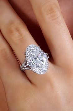 gift perfect present gorgeous perfection special birthday queen ideas best handsome nice souvenir wedding gifts Christmas unique jewelry Modern Engagement Rings, Engagement Ring Settings, Diamond Engagement Rings, Solitaire Diamond, Huge Diamond Rings, Bling Bling, Bridal Rings, Wedding Rings, Gold Diamond Wedding Band
