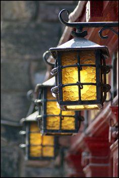 Iron Lanterns Light up the Entrance at the Last Drop Tavern, Old Town, Edinburgh, Scotland Lantern Lamp, Candle Lanterns, Hanging Lanterns, Old Town Edinburgh, Edinburgh Christmas, Chandeliers, Antique Lanterns, Lampe Decoration, Cabana Decor