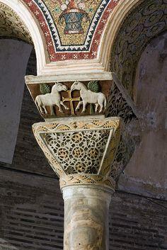 Mandkapiteel (capital) - San Vitale, Ravenna Italy