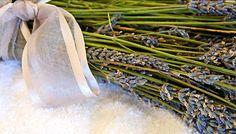 A 3 leghatásosabb házi módszer molyok ellen | femina.hu Asparagus, Vegetables, Simple, Creative, Studs, Vegetable Recipes, Veggies