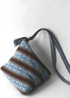 handwoven (card weaving, Marijke Van Epen)