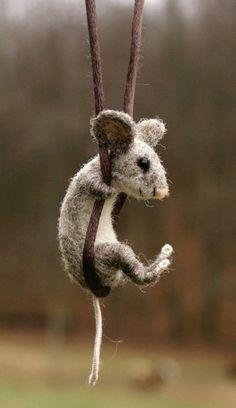 I am loving these little felt/wool mice
