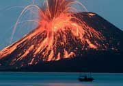 Volcano Photos: Etna, Stromboli, Kilauea, Bromo, Krakatau and other volcanoes in the world / VolcanoDiscovery