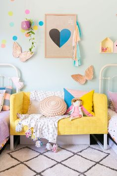 Girl's bedroom bench