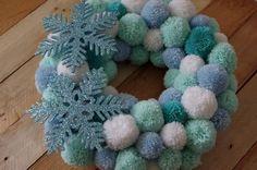 adventní věnec z papírových ruliček - Hledat Googlem Hanukkah, Christmas Decorations, Wreaths, Seasons, Advent, Holiday, Diy, Inspiration, Home Decor