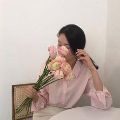 ꒰ 彡pinterest: ♡ ᴱᴬᴿᴬ ♡ 彡 ꒱ pink aesthetics kawaii vibe - Korean Aesthetic, Aesthetic Grunge, Aesthetic Vintage, Pink Aesthetic, Aesthetic Light, Nature Aesthetic, Korean Fashion Trends, Fashion Tips, Fashion Design