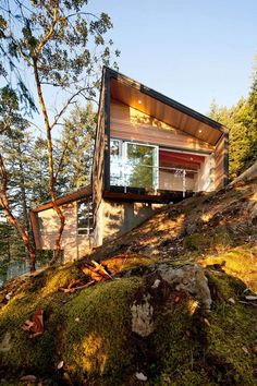Gambier Island Retreat / BattersbyHowat #Architecture - great use of materials