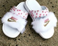 White Nike sliders with fur Bedazzled Shoes, Bling Shoes, Bling Bling, Nike Slides, Nike Sandals, Sport Sandals, Fashion Sandals, Sneakers Fashion, Fluffy Shoes