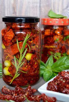 Aszalt paradicsom Hungarian Recipes, Ketchup, No Bake Cake, Pickles, Healthy Life, Paleo, Food And Drink, Health Fitness, Cooking Recipes