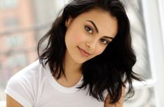 Find images and videos about riverdale and camila mendes on We Heart It - the app to get lost in what you love. Beautiful Celebrities, Beautiful People, Foto Cv, Veronica Lodge Riverdale, Camila Mendes Veronica Lodge, Camila Mendes Riverdale, Camilla Mendes, Betty And Veronica, Cheryl Blossom