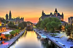 Different ways to experience the Rideau Canal in Ottawa - Ottawa Tourism Quebec, Capital Do Canada, Montreal, Vancouver, Parcs Canada, Ottawa Tourism, Toronto, Road Trip Playlist, Ontario Travel