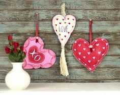 Create this project with Americana® Multi-Surface Acrylics — Celebrate love with these heart-shaped accents, perfect for hanging in a kitchen or entryway.