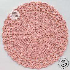 1 million+ Stunning Free Images to Use Anywhere Crochet Doily Rug, Annie's Crochet, Crochet Stitches Patterns, Crochet Round, Crochet Chart, Crochet Sunflower, Crochet Leaves, Crochet Table Runner, Crochet Home Decor