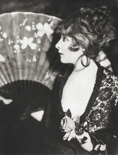Alfred Cheney Johnston fan paper rose by carbonated, via Flickr