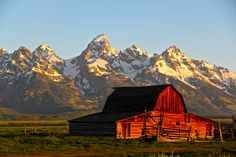 """Took this picture last summer in the Grand Tetons. Probably one of the most famous (or at least most photographed) """"old barns"""" in the US:"""