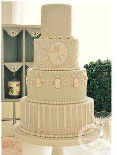 Beautiful Victorian wedding cake