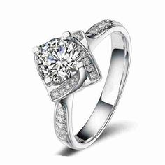 1 Carat Engagement Ring Round Cut Man Made Diamond with 4
