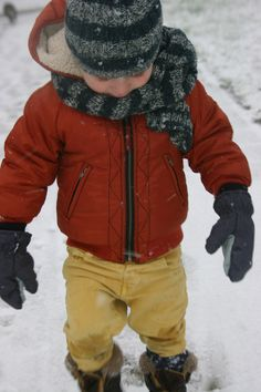 b3c0bd5d1b52 The first snow . Guus is wearing Kidscase.
