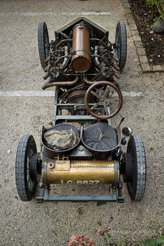 One of the first cars with a engine. The Fire-Breathing 1905 Darracq 200 HP Land Speed Record car. E Quad, Goodwood Festival Of Speed, Ex Machina, Vintage Race Car, Transporter, Courses, Old Cars, Old Race Cars, Custom Cars