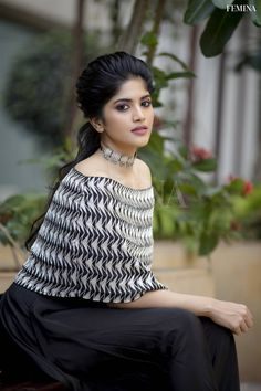Tamil Actress Photograph 2200 HOME-BASED, REMOTE NGO, UN JOBS #EDUCRATSWEB educratsweb.com Career 2020-10-18