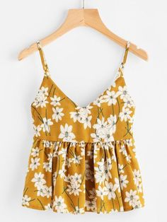 To find out about the Floral Print Random Babydoll Cami Top at SHEIN, part of our latest Tank Tops & Camis ready to shop online today! Cami Tops, Tops Débardeurs, Fashion News, Fashion Outfits, Womens Fashion, Fast Fashion, Fashion Styles, Fashion Fashion, Vintage Fashion