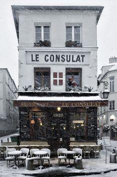 ホタル photography     |   Le Consulat, 2010  |  Montmartre, Paris, Ile-de-France